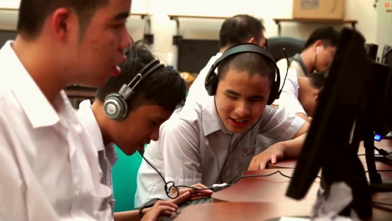Vietnamese children working on the computer